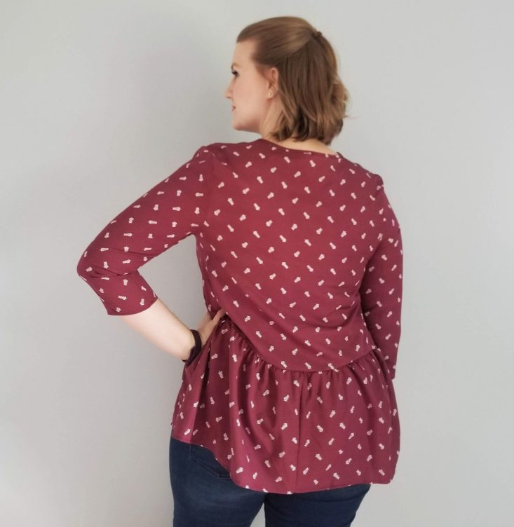 Golden Tote 149 Tote October 2018 Red peplum top back